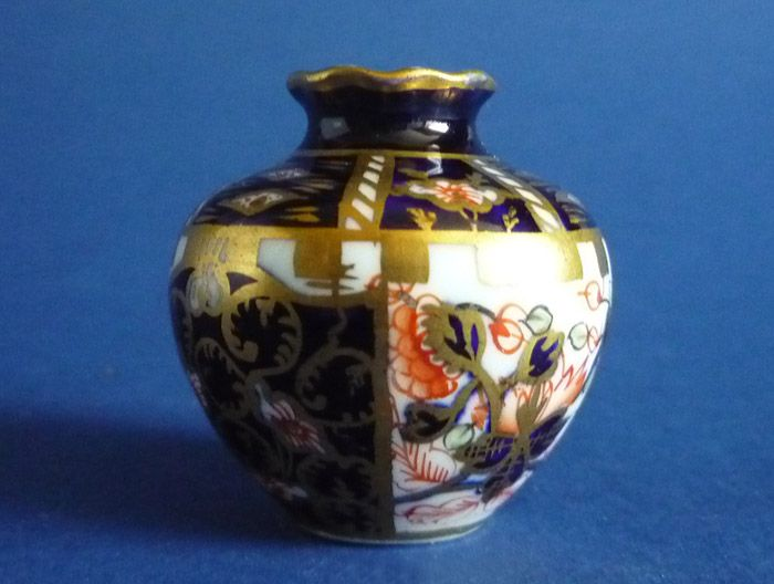 Find A Code >> Antique Royal Crown Derby Imari Witches Pattern 6299 ...